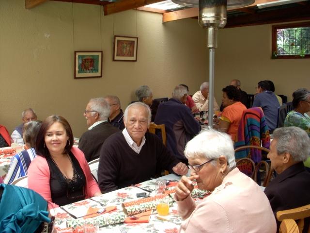 2012-seniors-lunch-1-640x480