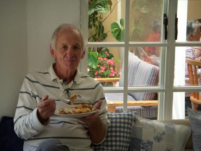 2012-seniors-lunch-35-640x480