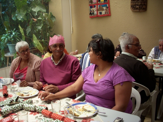 2012-seniors-lunch-38-640x480