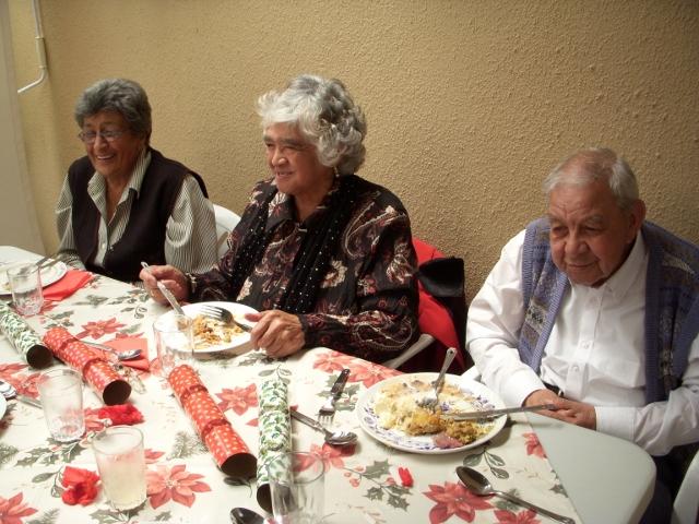 2012-seniors-lunch-40-640x480