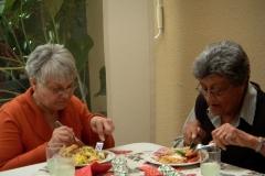 2012-seniors-lunch-22-640x480