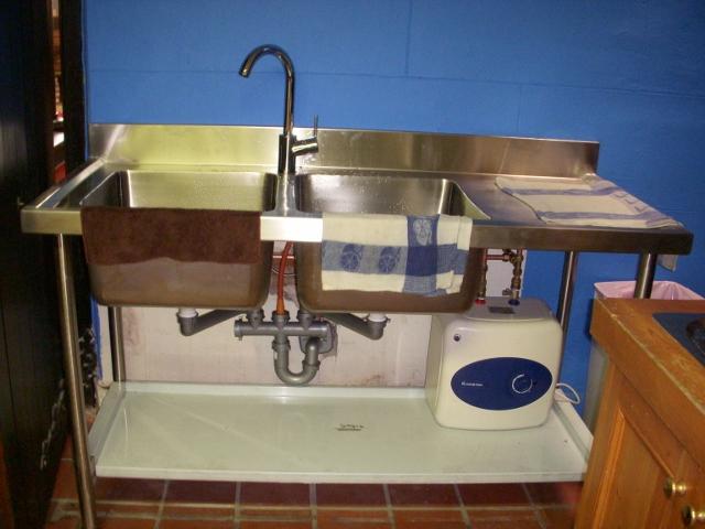 kitchen-sink-new-3-640x480