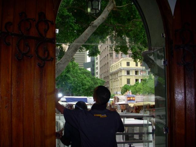 longmarket-street-glass-doors-21-october-2011-8-640x480