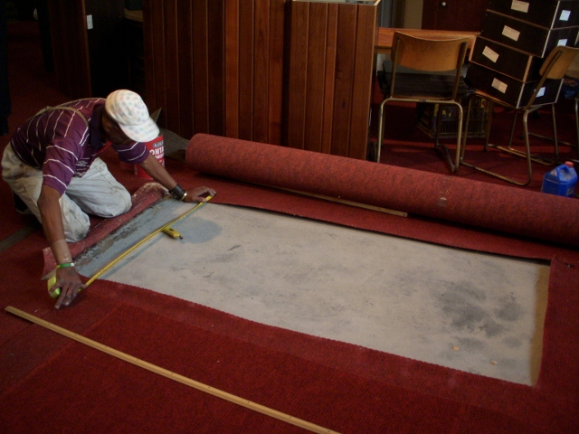 moving-of-rev-barnabas-shaws-tombstone-during-restoration-may-2011-147-640x480