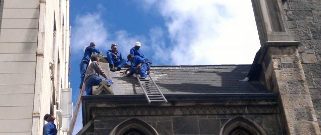 roof-repairs-2-640x269