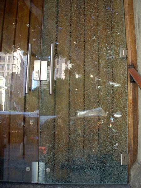 shattered-glass-door-on-longmarket-street-13-480x640
