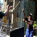 removing-metal-gate-12-october-2012-13-480x640