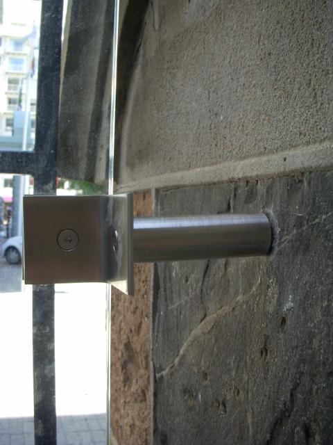 tudor-hotel-door-fixings-1-480x640
