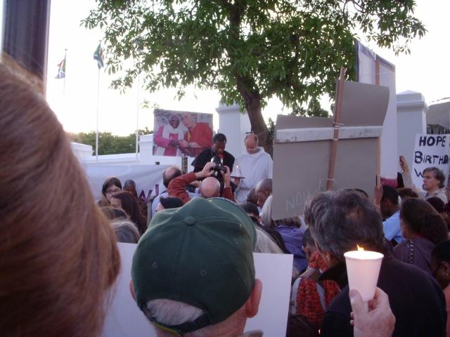 dalai-lama-vigil-3-october-2011-15