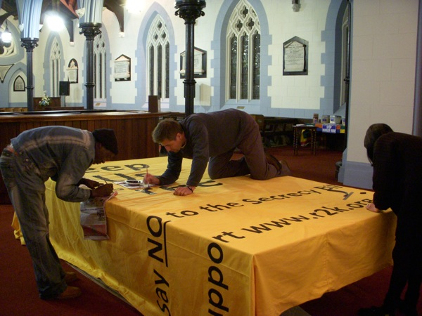 right-2-know-banner-boro-alan-and-lulu-finishing-up-1