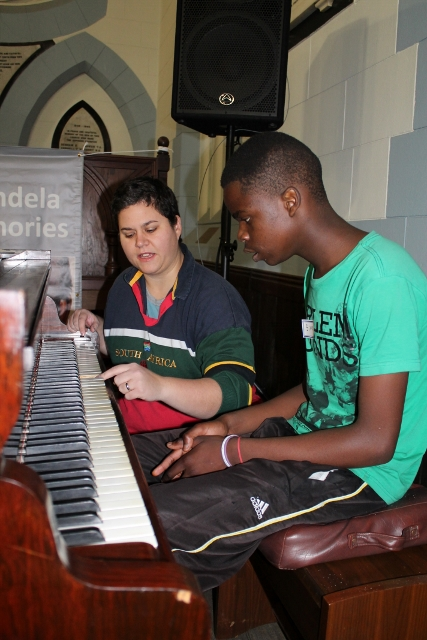 Piano Lessons with Anthea (3) (427x640).jpg