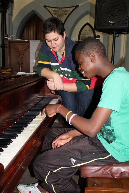 Piano Lessons with Anthea (4) (427x640).jpg