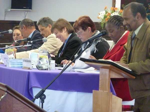 synod-may-2011-main-table-in-session-pic-40