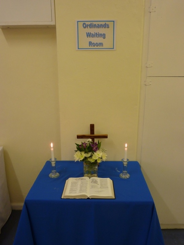 synod-may-2011-ordinands-waiting-room-pic-26