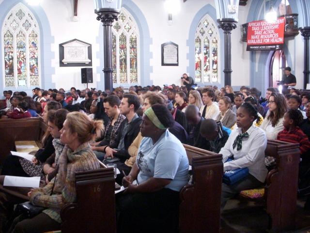ndifuna-ukwazi-meeting-16-june-2012-15-640x480