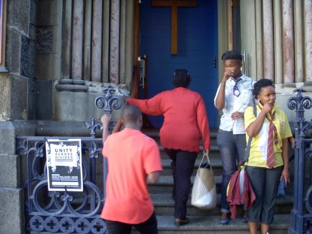 ndifuna-ukwazi-meeting-16-june-2012-24-640x480